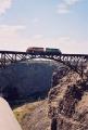 USA - Eisenbahnbrücke über Canyon in Oregon