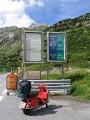 Rote Vespa am Arlberg